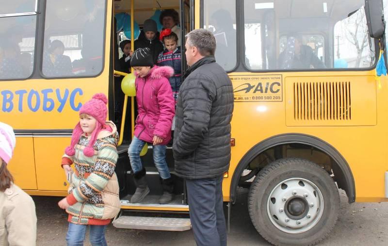 Маршрутки підвозитимуть до та забиратимуть після уроків учнів кількох шкіл Ужгорода