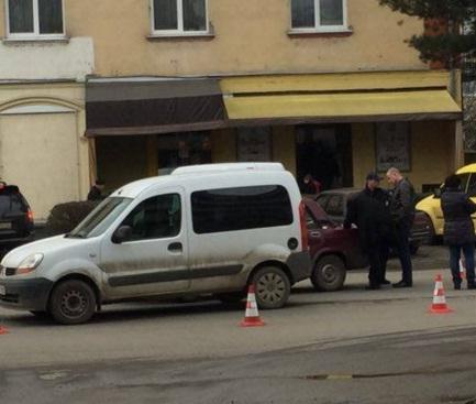 З'явилась фото ДТП, яка сталась на проспекті Свободи в Ужгороді