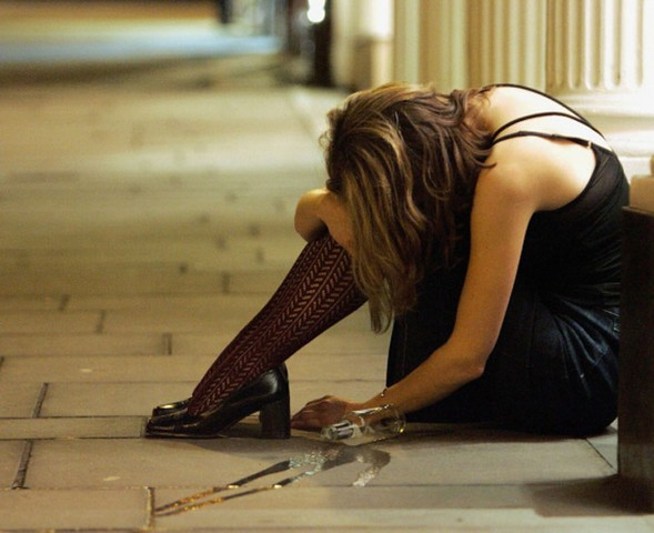 """""""Прошу спалити мій одяг, бо там ртуть"""": в Ужгороді жінка вчинила самогубство, залишивши передсмертну записку"""