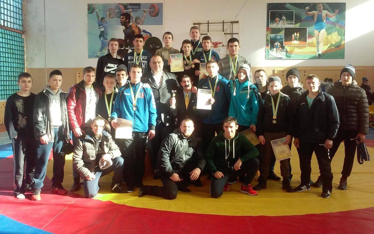 Двоє мукачівців здобули золоті медалі «західної зони» чемпіонату України з греко-римської боротьби