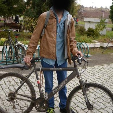 Невідомі зловмисники поцупили два велосипеди в одній з ужгородських багатоповерхівок