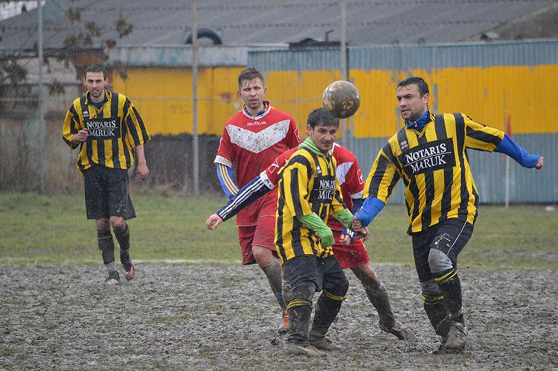 У надпринциповому дербі Ужгородщини перемогли футболісти з обласного центру