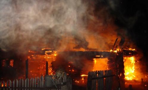На Тячівщині та Іршавщині вогонь пошкодив житлові будинки
