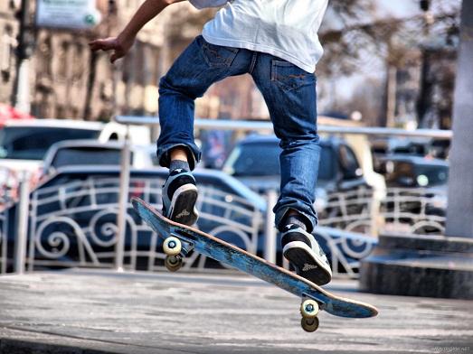 В Ужгороді є 3 великі парки, а кататися молоді на скейтбордах ніде