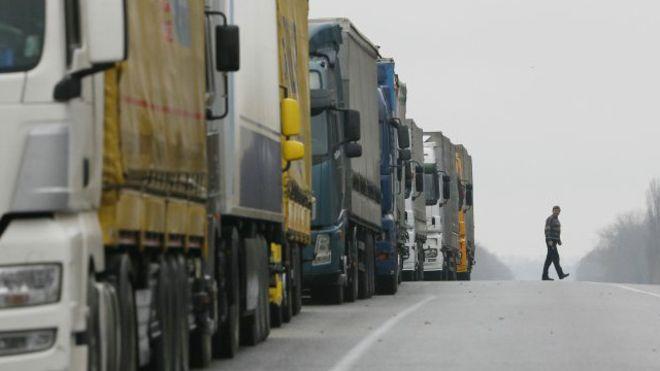 """Активісти """"Ведмежої блокади"""" не перешкоджатимуть руху вантажівок"""