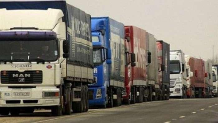 За добу через Закарпаття проїхало 58 російських вантажівок