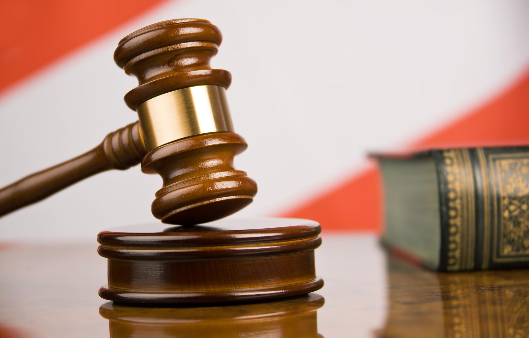Прокуратура розпочала кримінальне провадження щодо хустських патрульних, котрі не виконують судові рішення