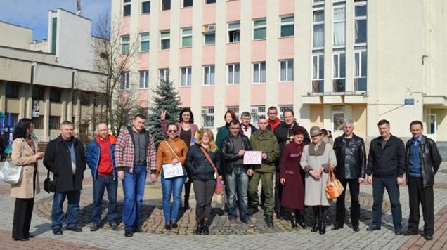 Іршавчани влаштували пікет на підтримку Надії Савченко