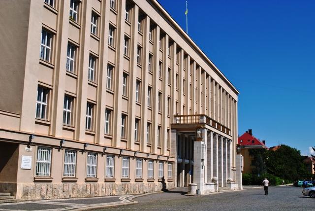 У п'ятницю відбудеться позачергова сесія Закарпатської облради, на якій розглянуть питання фінансування ПТНЗ