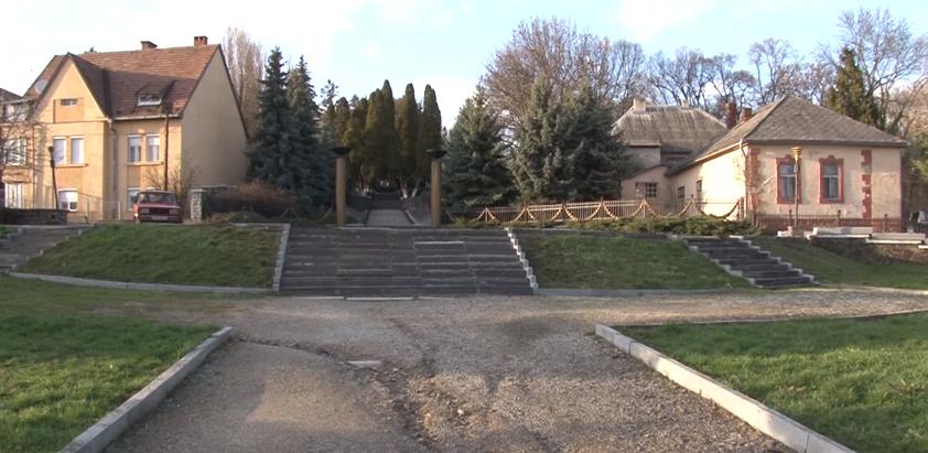 Цьогоріч в Ужгороді повинен з'явитись пам'ятник героям АТО