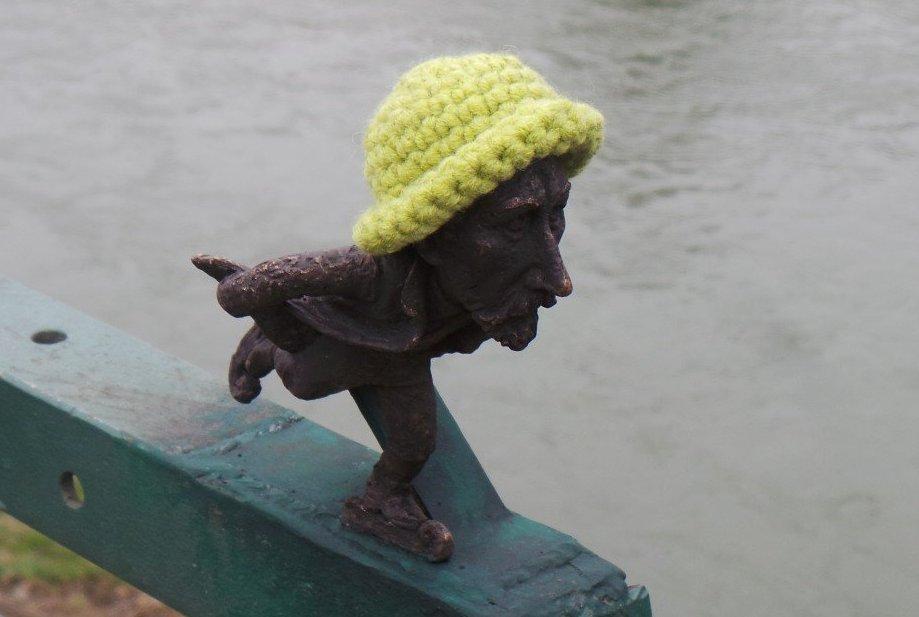 В Ужгороді презентували ще одну міні-скульптурку