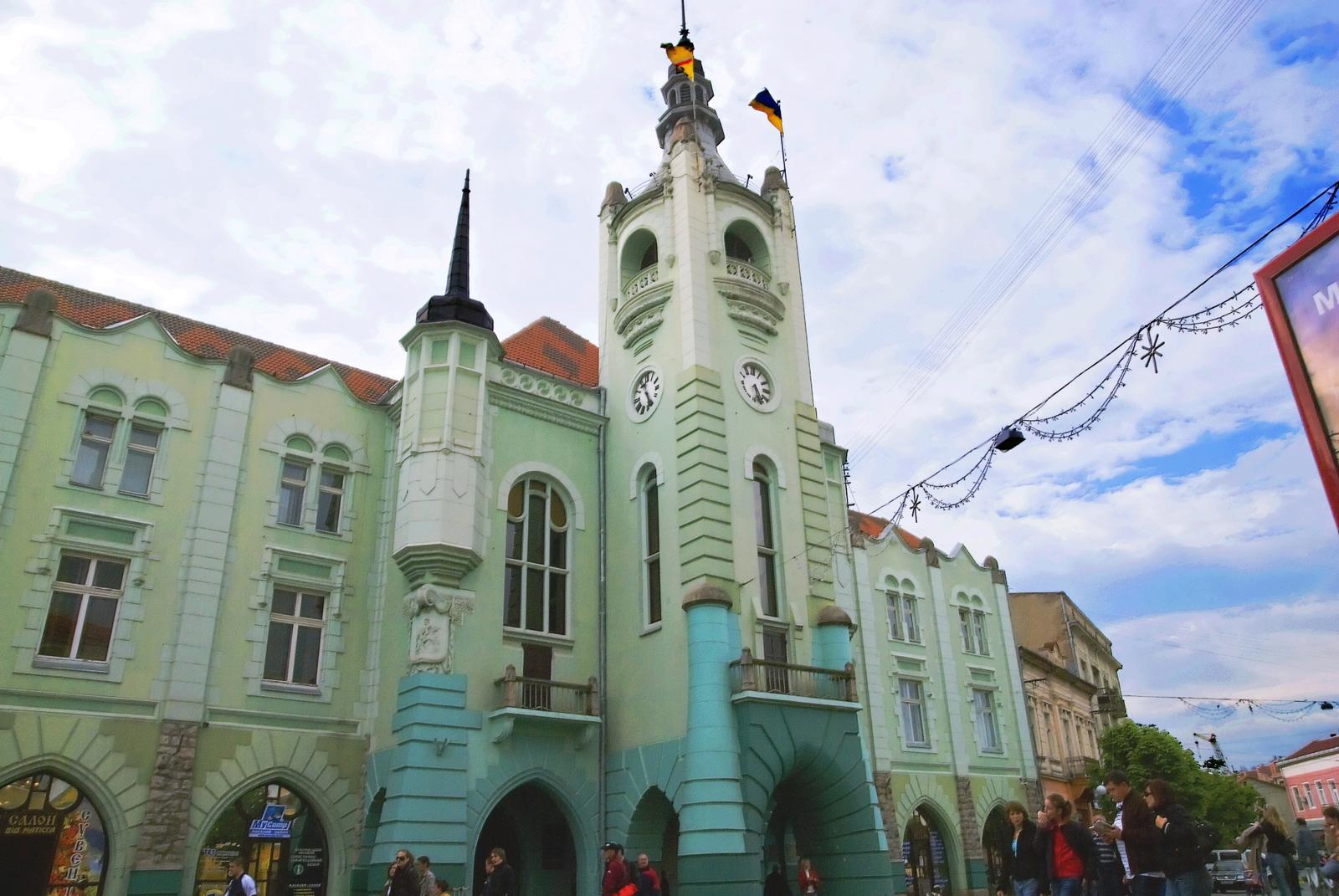 Депутати Мукачівської міськради звернулись до Президента з вимогою підписати законопроект щодо фінансування ПТНЗ