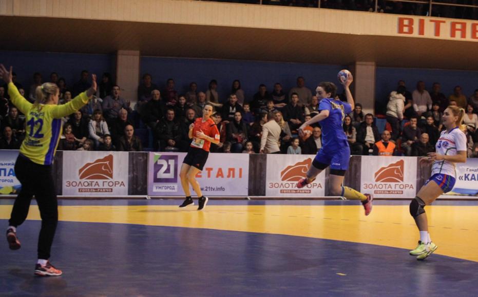 В Ужгороді жіноча збірна України з гандболу здолала суперниць з Італії