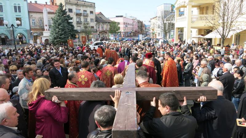 """Цієї неділі у Мукачеві відбудеться традиційна """"Хресна дорога"""""""