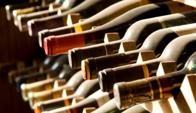 В Ужгороді зловмисник вкрав у пенсіонерки газонокосарку, бензопилу та вино