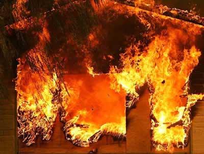 На Берегівщині ліквідували пожежу у складському приміщенні