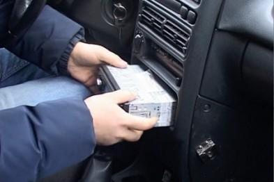 В Ужгороді обікрали автомобіль