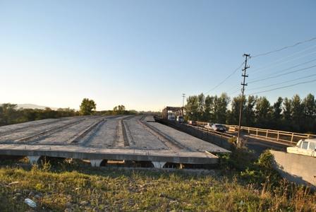 Обласні депутати порушили проблему будівництва мосту у Буштині