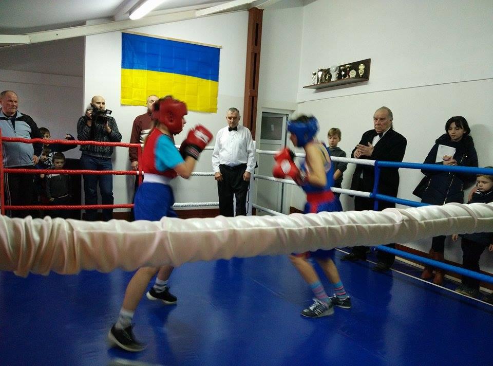 Найкращі боксери Закарпаття проводили спаринги у Мукачеві