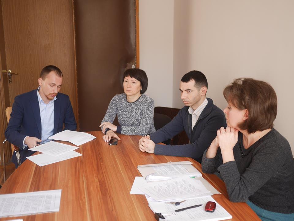 В Ужгороді обговорюють аспекти запровадження електронних петицій до міськради
