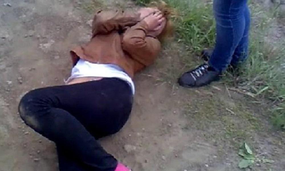 В Ужгороді молодий хлопець врятував дівчину від трьох зловмисників