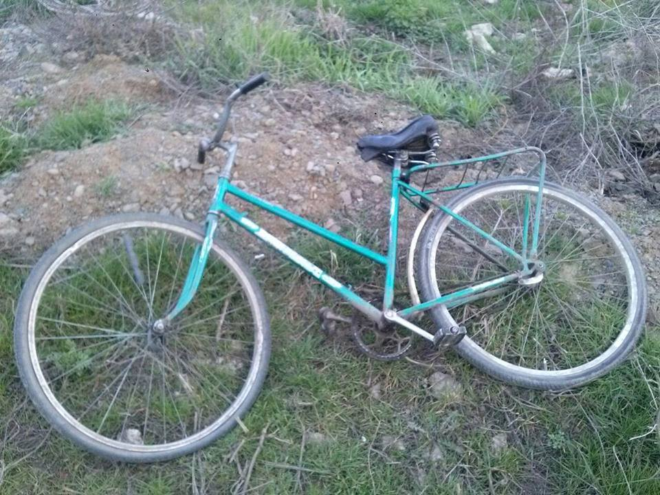 Мукачівські поліцейські затримали трьох грабіжників, які побили чоловіка і вкрали велосипед