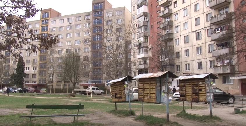 """""""Сиротами залишились двоє малолітніх дітей"""", – поліція про самогубство жінки в Ужгороді"""
