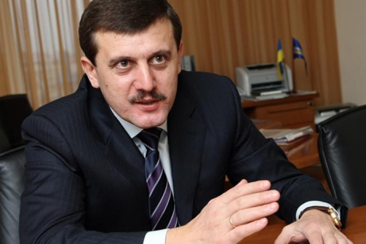 Василь Петьовка просить Яценюка знайти кошти на ремонт доріг Закарпаття