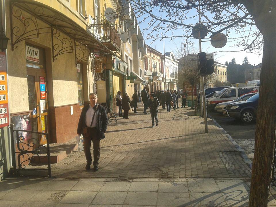 Муніципальна поліція Ужгорода провела рейд одним із стихійних ринків міста
