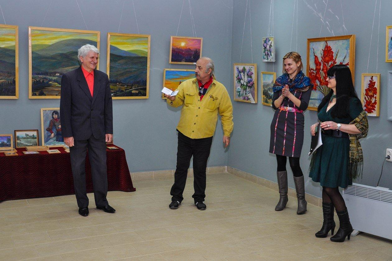 У Виноградові Петро Коцан представив ретроспективну виставку робіт