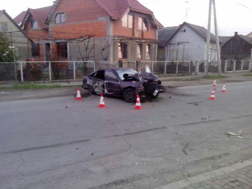 """""""Водій був п'яний і їхав на великий швидкості. Зараз перебуває у реанімації"""", – очевидці про ДТП в Ужгороді"""