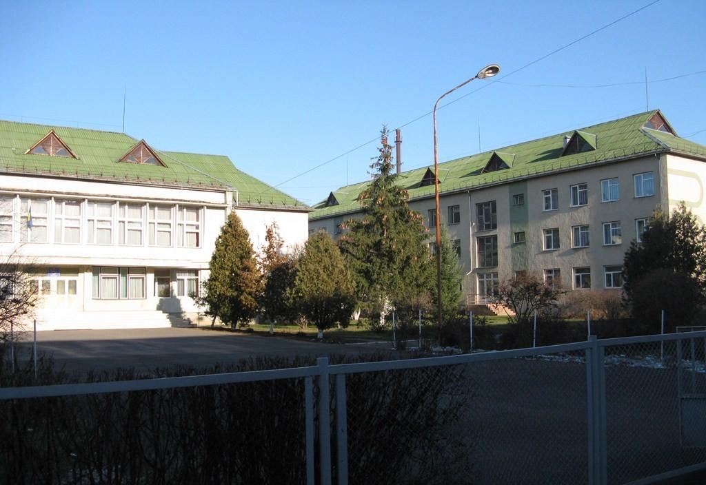 Школи та дитсадки Мукачева шляхом злиття реорганізують у НВК