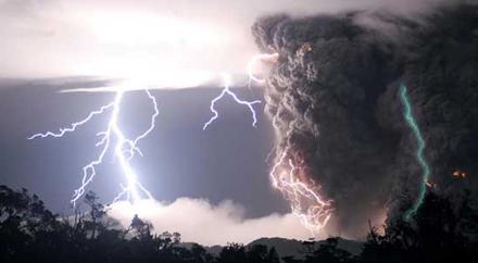 На Закарпатті штормове попередження: очікуються грози та шквальний вітер