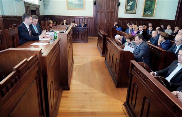 У Мукачеві розпочала роботу сесія міськради