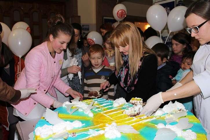 В Ужгороді відбулась вистава для маленьких переселенців з Донбасу