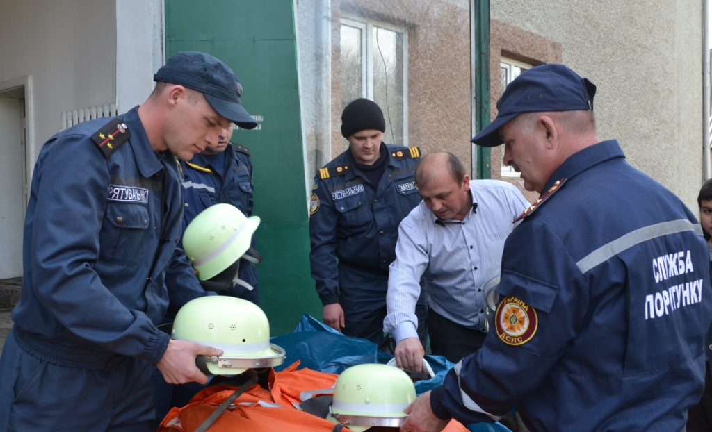 Тячівські рятувальники отримали гуманітарну допомогу з Німеччини
