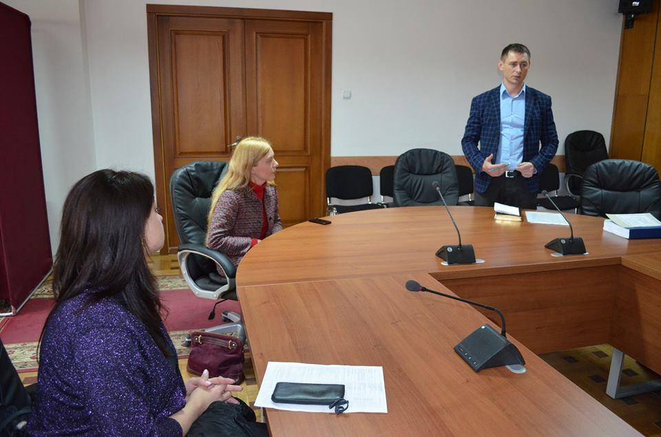 Кращих випускників УжНУ пропонують працевлаштувати у Мукачівській міськраді