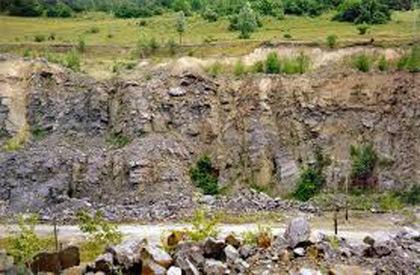 На Ужгородщині завалився кам'яний кар'єр: є жертва
