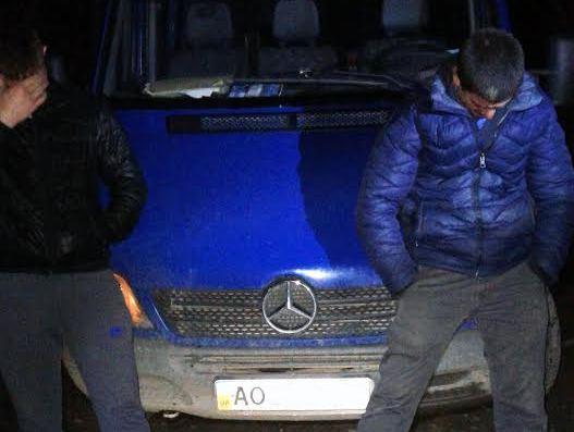 Прикордонники показали відео сьогоднішнього затримання контрабандистів
