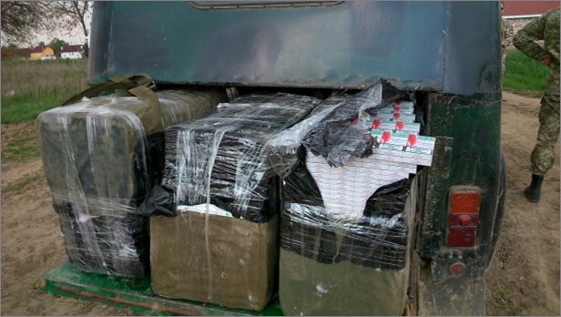 Мукачівські прикордонники затримали контрабандистів, у яких виявили 4510 пачок сигарет