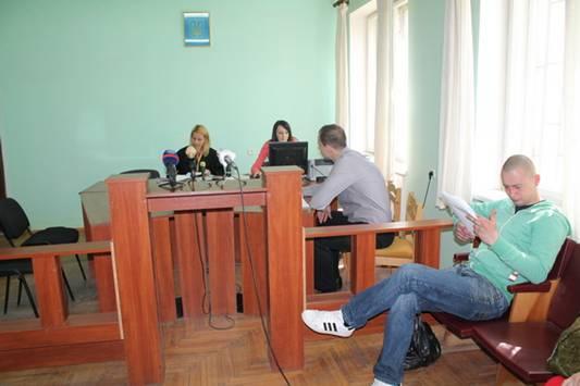 Суд у справі підозрюваного у вбивстві собаки в Ужгороді перенесли на 21 квітня