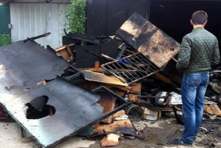 В Ужгороді вогонь знищив гараж