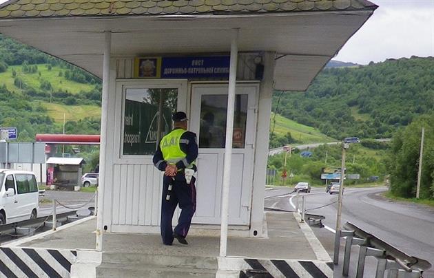 У Нижніх Воротах поліцейські затримали мешканця Сваляви, який перебуває у розшуку