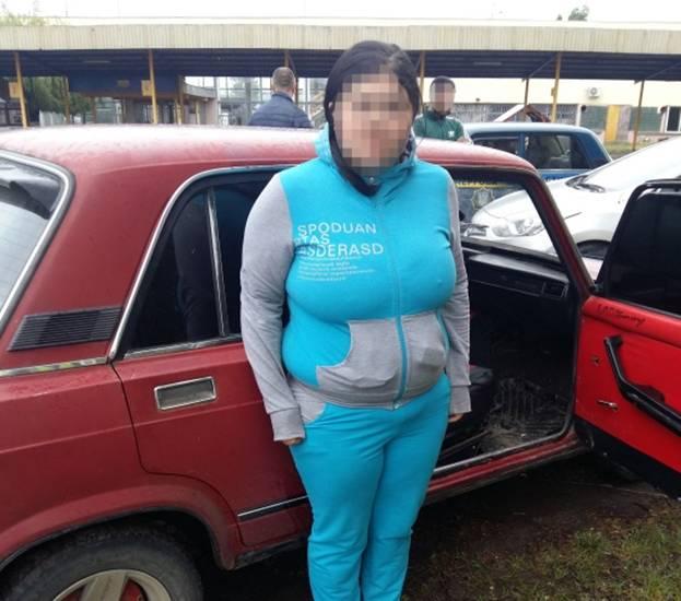 Берегівські поліцейські затримали мешканку Мукачівщини, яка звела двох повій