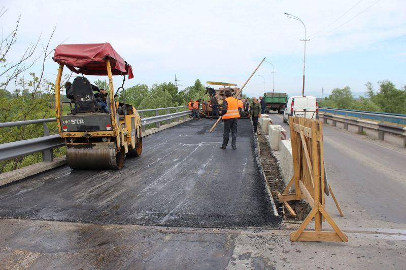 Паланківський міст у Мукачеві ремонтуватимуть ще близько місяця