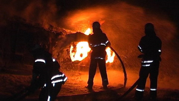 Після погроз у мешканця Тячівщини загорівся мікроавтобус