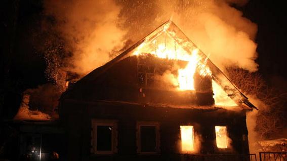Внаслідок пожежі у власному будинку 58-річний мешканець Виноградівщини отримав опіки
