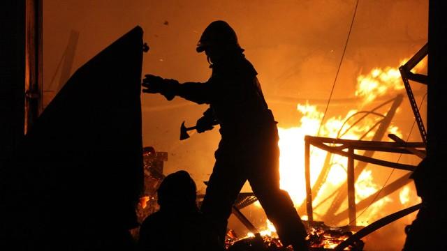 У ніч на вівторок на Закарпатті ліквідовували пожежі у двох будинках
