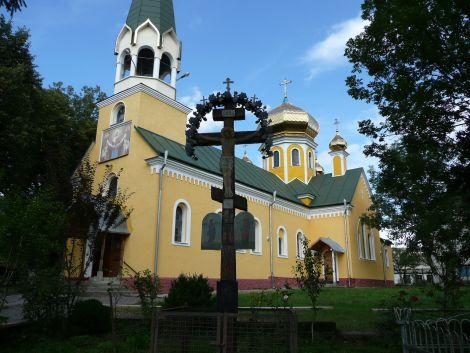Великодні свята у Хусті закінчилися пограбуванням церкви