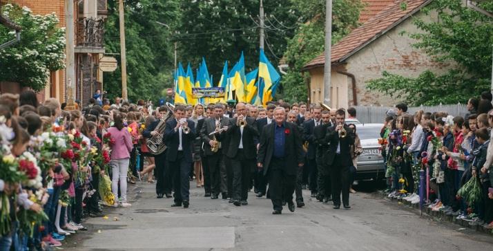День Перемоги в Ужгороді відзначили парадом